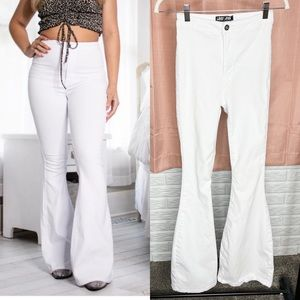 JC & JQ White Bell Bottom Flare Jeans Size M